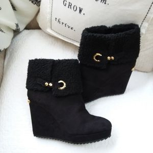 JUICY Couture BLACK FAUX Suede WEDGE BOOTS 9 1/2